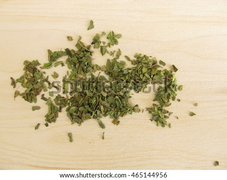 Dried lovage leaves