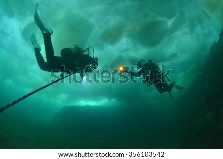 drift ice diving