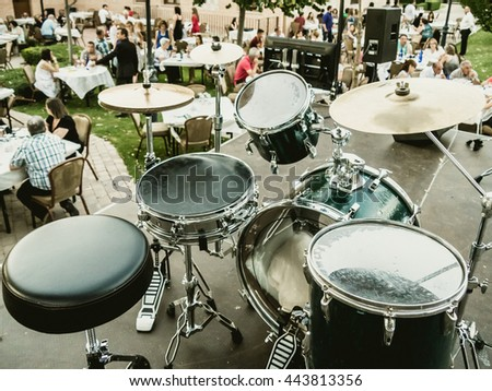 drums in concert at restaurant