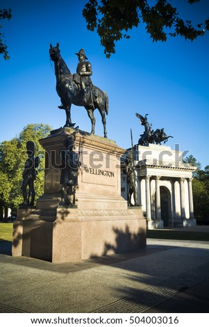 Duke of Wellington statue and arch in London