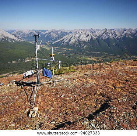 Early Autumn on Mount Allan, Kananaskis, Alberta, Canada This hike is on the upper ridge of Nakiska Ski Hill where the 1988 Calgary Olympics were held. A steep but easy 1-1/2 hour to this point - stock photo