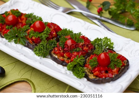 Eggplants stuffed with habanero and bell pepper