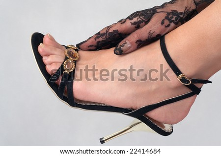 Elegant sandal with high heel