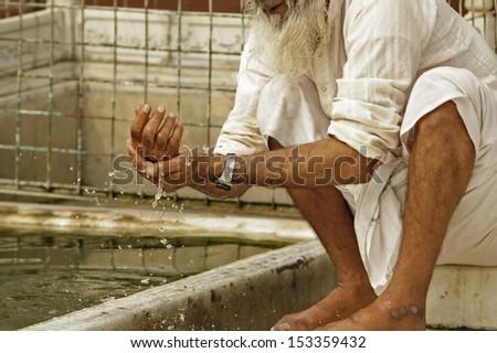 en la mezquita roja, delhi 2 - stock photo