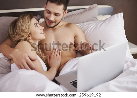 Enjoying of fast Internet even in bed