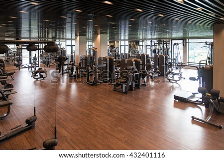 Fitnessraum modern  Equipment Machines Modern Gym Room Fitness Stock Photo 432408646 ...