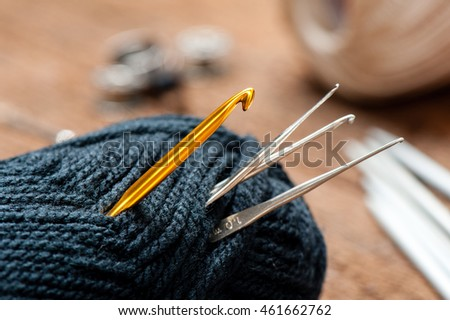 equipment for knitting and crochet (crochet hook, yarn, wool, needle)