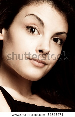 expressive portrait of a young woman, close up