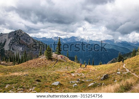 Family hiking on Pacific Crest Trail, Washington State at Chinook