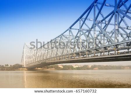 Famous cantilever bridges