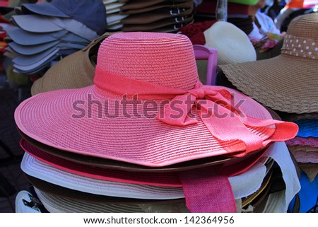 fashion brimmed hat colour pink