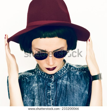 Fashion portrait glamorous Lady in a vintage Hat and Glasses - stock photo