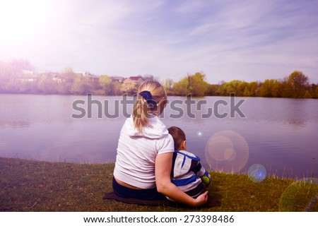 a family bonding close reading Building a close relationship between grandparents and grandkids benefits   and influences, and they can provide a sense of cultural heritage and family  history  grandparents may have lots of time to spend playing with and reading  to kids.
