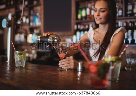 how to hit on a female bartender