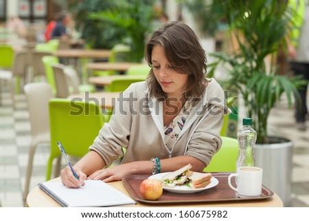 Scholarship letter essay sample