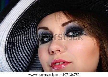 females with a hat