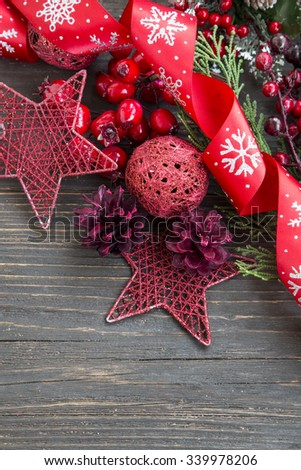 Festive Red Christmas Decoration with Ribbon,Lantern and Glitter Star
