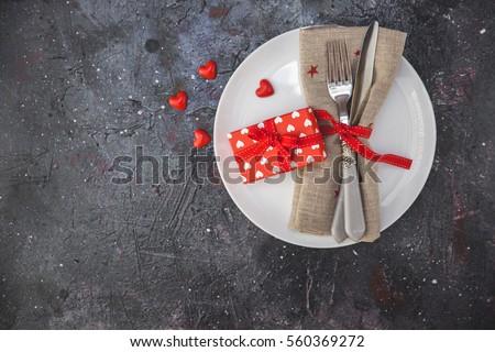 lập bảng Festive cho ngày Valentine