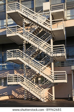 Fire-escape for rescue of people in dangerous situations from a building