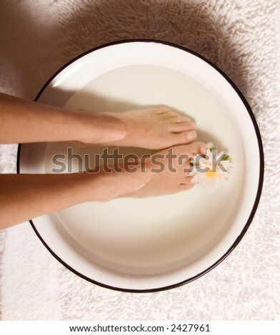 foot bath at a day spa in a bowl