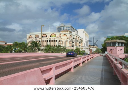 FORT LAUDERDALE, FL, USA - November 23, 2014: The Andrews Avenue Bridge is one of four bridges that crosses the New River in Fort Lauderdale and leads to the Arts and Entertainment District. - stock photo