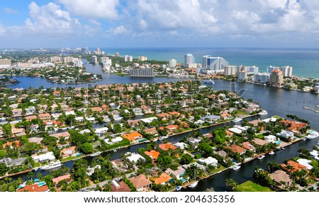 FORT LAUDERDALE,FLORIDA - OCTOBER 25:Fort Lauderdale on october 25,2010.It is a popular tourist destination, with an average year-round temperature of 77 degrees and an annual 3,000 hours of sunshine - stock photo
