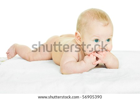 four month baby sucks his fingers