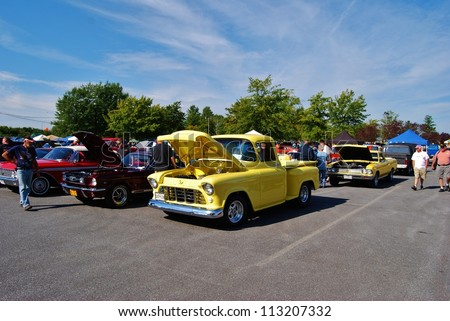 FREDERICK, MD- SEPTEMBER 16: Vintage Cars ,and Truck at a Car Show on September, 2012 in Frederick , MD USA.  Alzheimer'Â?Â?s Association Benefit Car Show at  Motor Vehicle Administration in Maryland. - stock photo