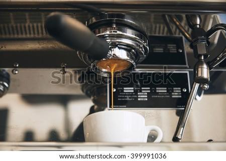 oster 3188 4 cup espresso coffee cappuccino maker 220 volt