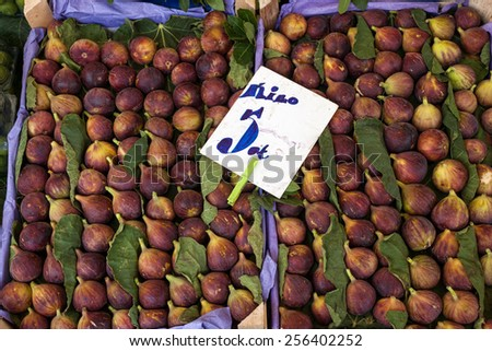 fresh figs in a box for sale at the bazaar