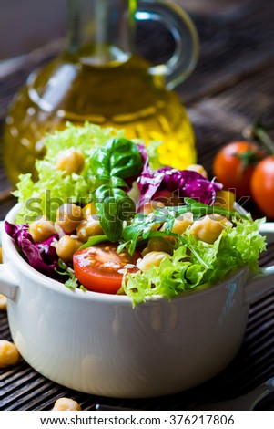 Fresh mixed  salad with Chickpea