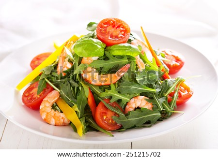 fresh salad with shrimps and vegetables