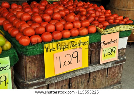 Fresh Tomatoes for Sale at Farmers Market