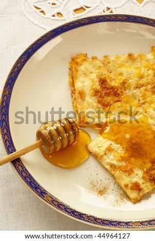 """Fried matzo (""""Matzah brei"""") - Passover breakfast - stock photo"""