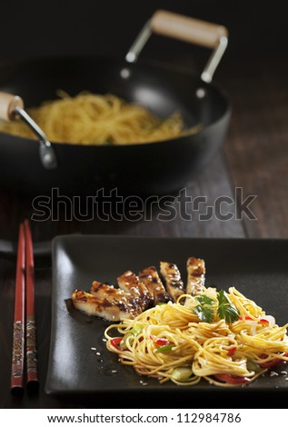 fried noodle with roasted pork
