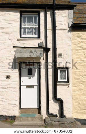 front of a house in port isaac in cornwall