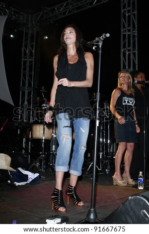 FULLERTON, CA - JULY 25: Teri Hatcher at the 2nd Annual Band From TV Night at The Orange County Flyers Baseball Game in Fullerton, California on July 25, 2008