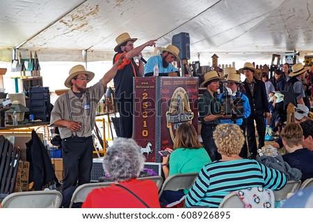 GAP PENNSYLVANIA - MARCH 25 2017 Amish volunteers sell art and craft items under & Gap Pennsylvania March 25 2017 Amish Stock Photo 608926895 ...