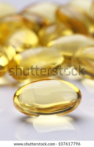Garlic oil capsules/pills - stock photo