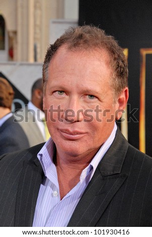 "Garry Shandling  at the ""Iron Man 2"" World Premiere, El Capitan Theater, Hollywood, CA. 04-26-10"