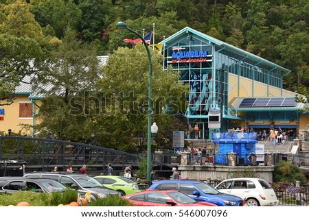 GATLINBURG, TN - OCT 7: Aquarium of the Smokies in Gatlinburg, Tennessee, as seen on Oct 7, 2016. Gatlinburg is a popular vacation resort, on the border of the Great Smoky Mountains National Park.