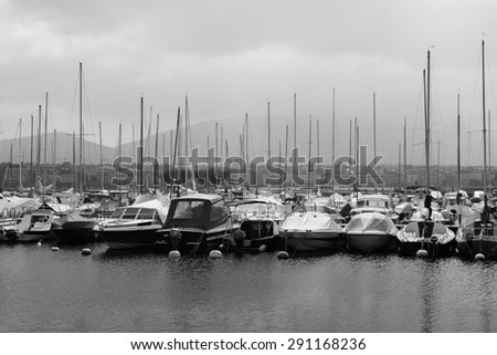 GENEVA - SEP 11: moorage at Geneva lake on September 11, 2014 in Geneva, Switzerland. Geneva is the second most populous city in Switzerland and is the most populous city of Romandy