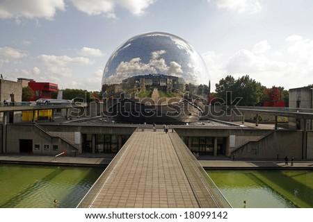 Geode miroir du ciel La Villette Paris - stock photo