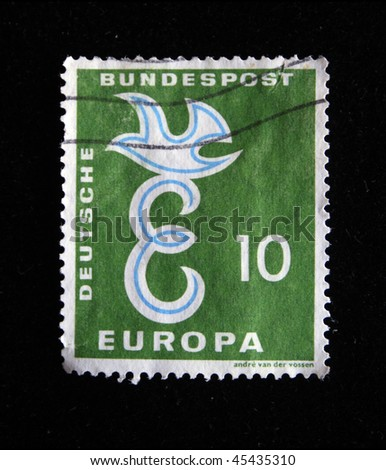 GERMANY - CIRCA 2000s: A stamp printed in Germany shows pigeon, circa 2000s
