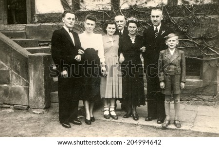 GERMANY, CIRCA TWENTIES - Vintage photo of big family with a boy