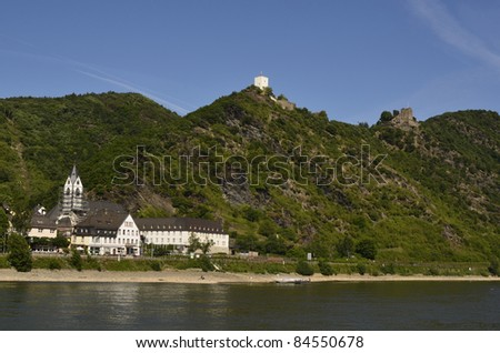 Germany, Rhine Valley, Unesco World Heritage, Kamp-Bornhofen with ruin Sterrenberg and ruin Liebenstein, also known as - the enemy brothers - stock photo