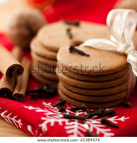 Gingerbread cookies tied with ribbon