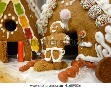 Gingerbread house and males