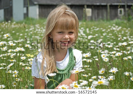 girl in wild daisies