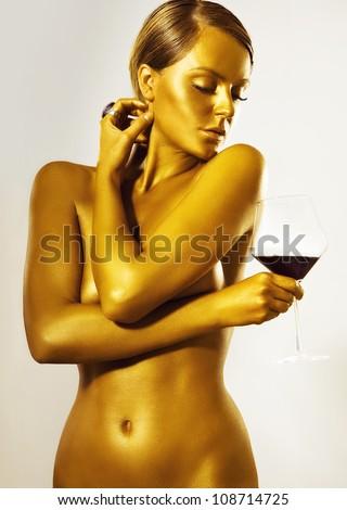 Naked hd gold girl